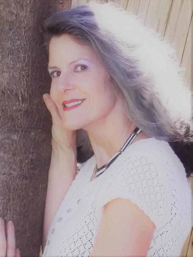 Julie Anshasi